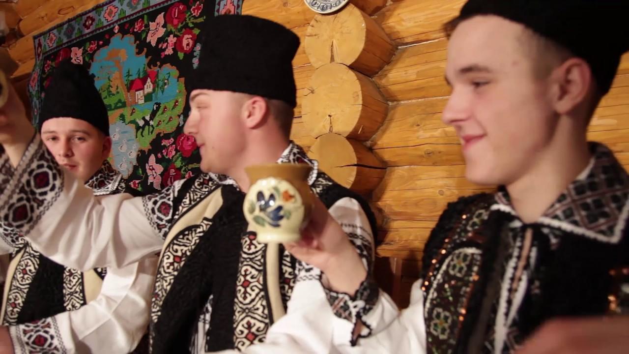 Alexandru Recolciuc – Beau cu prietenii si fratii